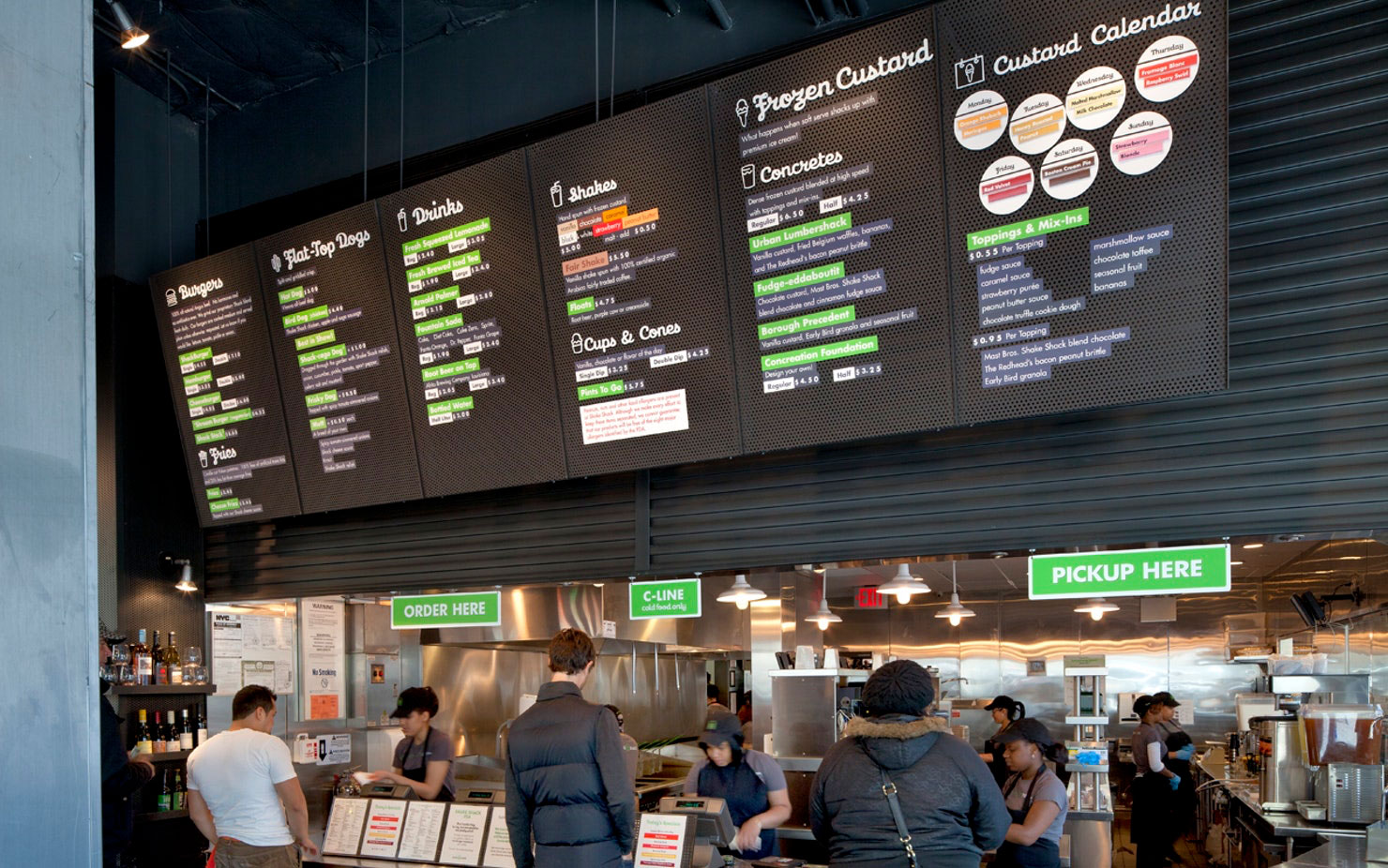 Shake Shack. Designed by Pentagram / @enviromeant.com