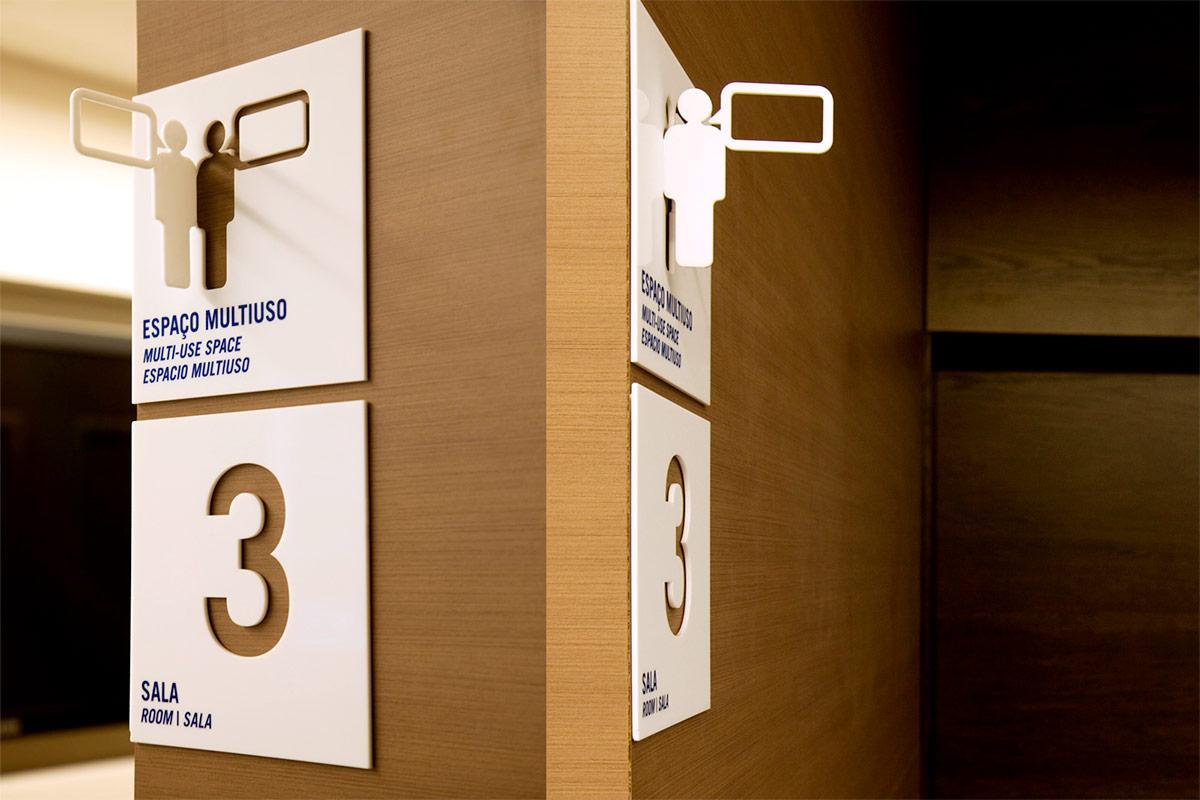 Fundação Dom Cabral. Designed by New Greco / @enviromeant.com