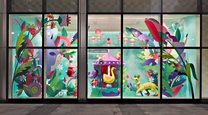 Janine Rewell window display for Lotte World Mall @enviromeant