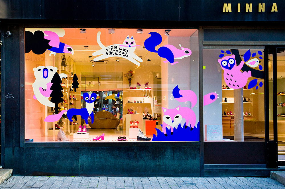Leena Kisonen window display for Minna Parikka Universum @enviromeant