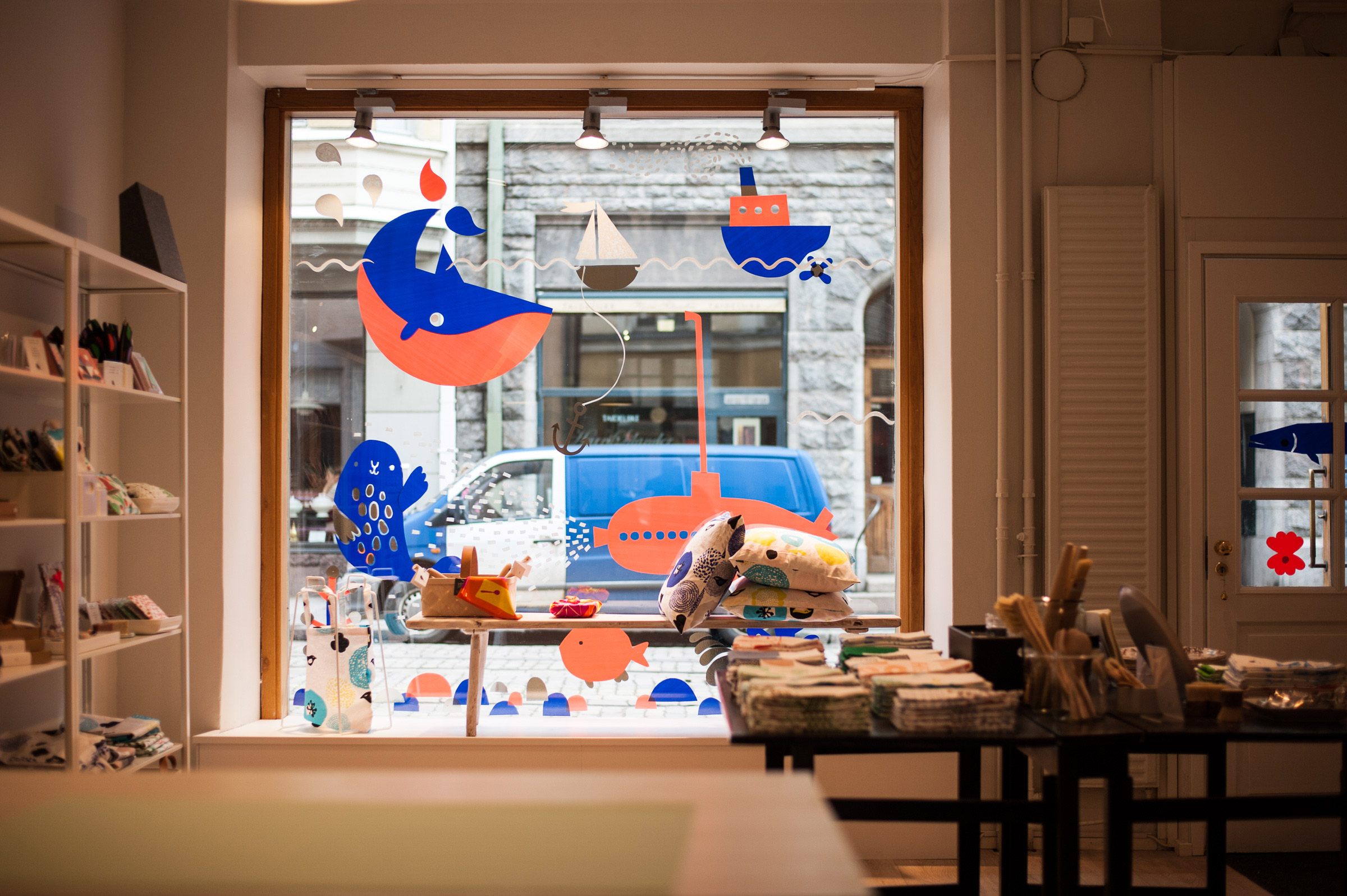Window display by Krista Karki, Leena Kisonen and Anna Vuorinen for Kauniste Shop in Helsinki, Finland @enviromeant
